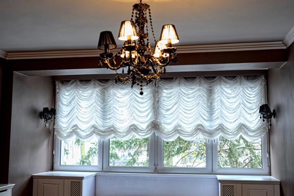Czym ozdobić okna w mieszkaniu?