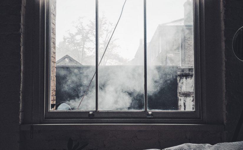 Rolety, firany, zasłony – co można zamontować w oknie?